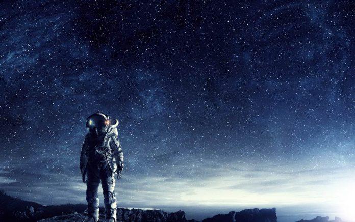 Moon-Landing-Movie-Omits-American-Flag