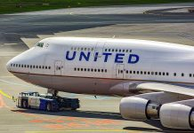 United Airlines to Purposely Start Hiring Based on Race and Gender