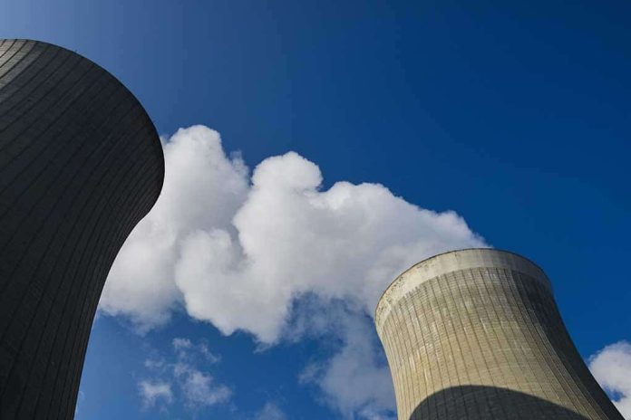Bill Gates and Warren Buffet to Build Nuclear Energy Plant