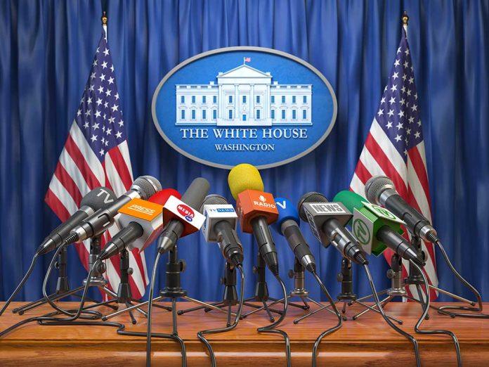 White House Backs New Lockdowns