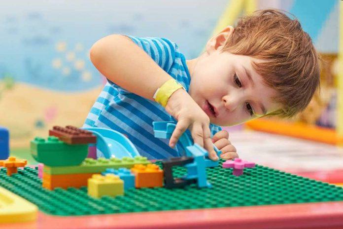 Lego to Strip Toys of 'Gender Bias'